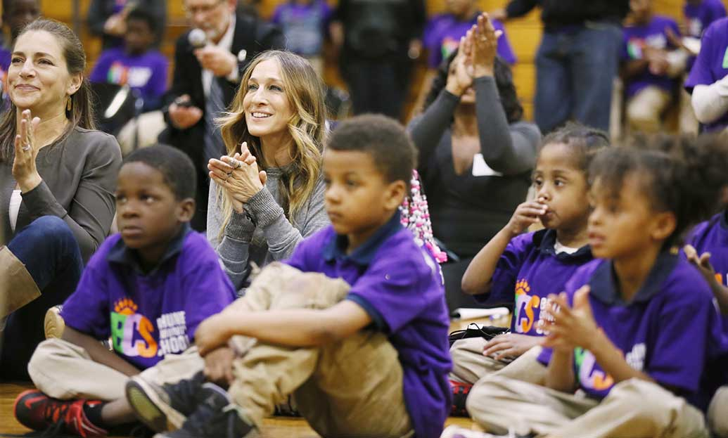 Sarah Jessica Parker visits Bethune to see how arts improve learning