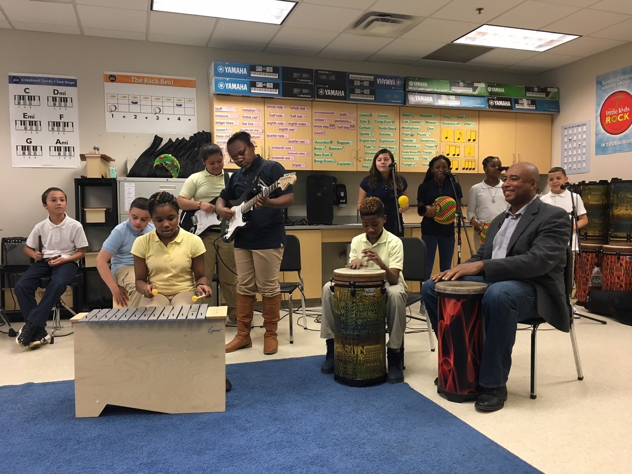 Inspiring America: Beloved Baseball Star Brings Arts to Schools