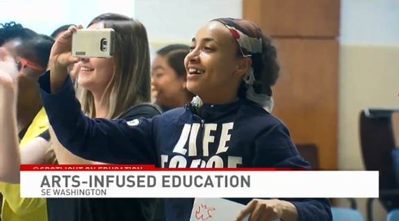Esperanza Spalding, 4-time Grammy-winning musician, visits D.C. school